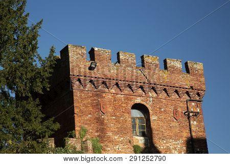 Renaissance Italian Castle, Detail