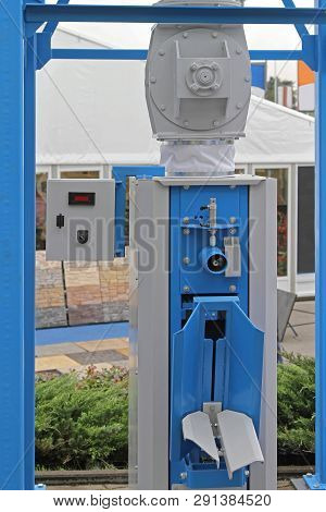 Weighing Filling And Packing Sack Bags Machine