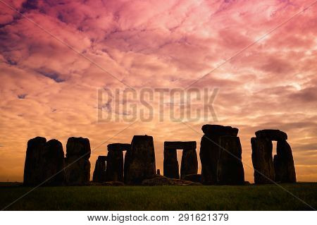 Stonehenge, One Of The Wonders Of The World And The Best-known Prehistoric Monument In Europe, Locat