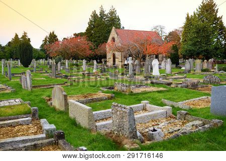 Oxford, Uk - November 13, 2017: Old Wolvercote Cemetery In Oxford, England. The Final Resting Place