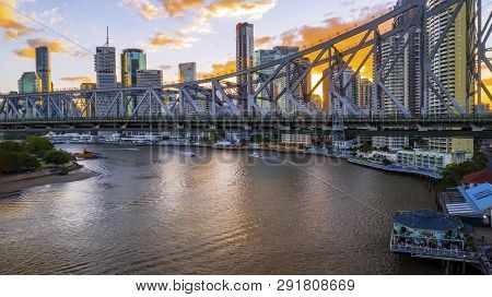 Brisbane, Australia - February 22 2019: Colourful Sunset Over Brisbane Cityscape With A View Under T