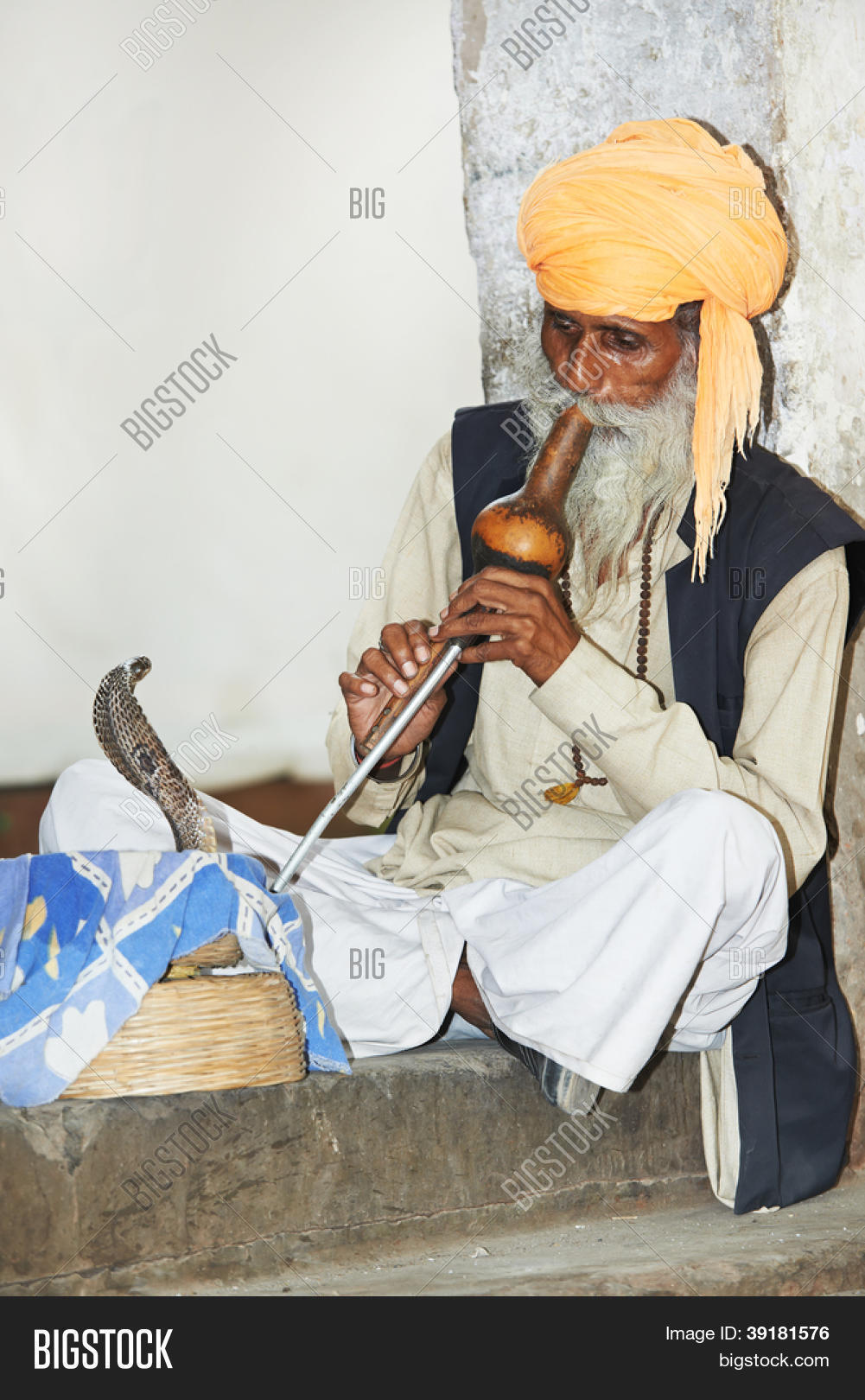 Indian Snake Charmer Image & Photo (Free Trial) | Bigstock