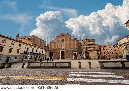 Padua, Italy - Sept 27, 2020: Piazza Duomo, Cathedral Square In Padua Downtown With The Basilica Of
