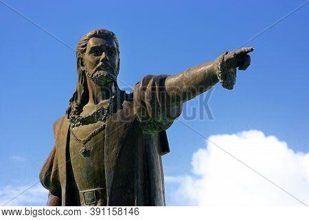 Porto Seguro, Bahia / Brazil - June 9, 2007: Statue Of Pedro Alvares Cabral In The City Of Porto Seg
