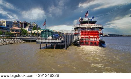 New Orleans, Louisiana/usa- May 2 2017:port Of New Orleans Day Light View Showing The Steamboat Natc