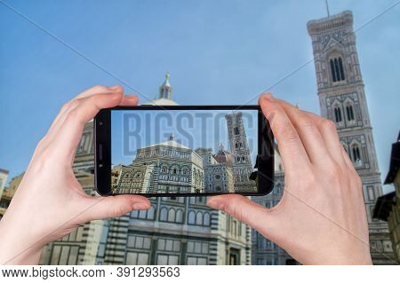Duomo Santa Maria Del Fiore In Piazzale Michelangelo In Florence, Tuscany, Italy. Tourist Takes A Ph