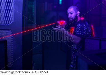 Laser Tag Game Player Shooting Light Gun Science Fiction Vest In Black Light