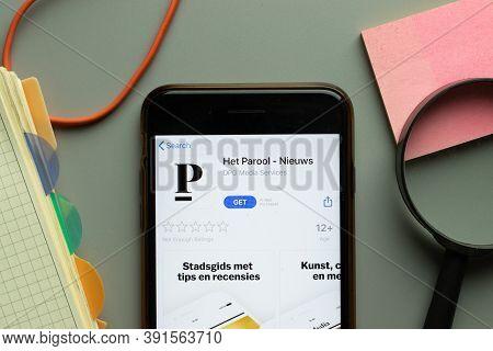 New York, Usa - 26 October 2020: Het Parool Nieuws Mobile App Logo On Phone Screen Close Up, Illustr