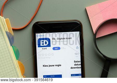 New York, Usa - 26 October 2020: Ed Digitale Krant Mobile App Logo On Phone Screen Close Up, Illustr