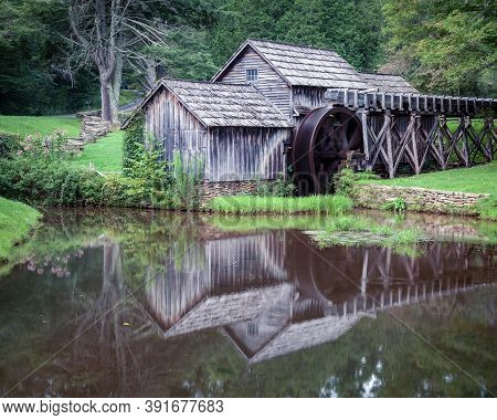 Historic Mabry Mill Is A Water Wheel Powered Woodwork Shop And Grist Mill Along The Blue Ridge Parkw