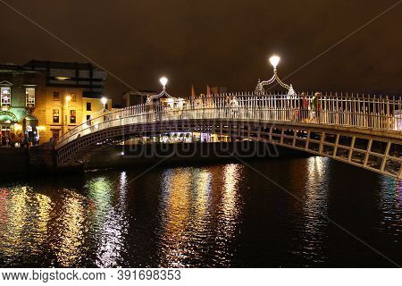 Dublin, Ireland - 02 Aug 2013: Ha Penny Bridge In Dublin At Night, Ireland