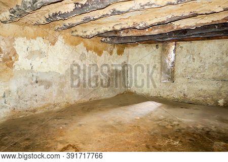 Stone Town, Zanzibar, 28/09/18. Underground Slave Stone Chambers In Old Slave Market Where Slaves Wh