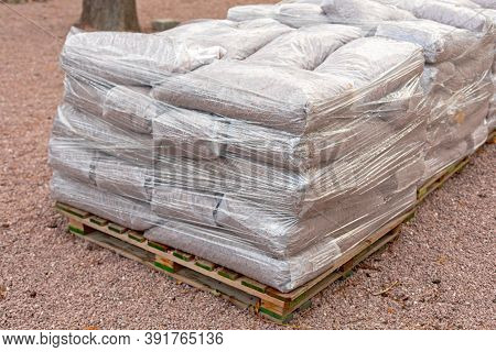 Heavy Material Delivery In Sacks At Pallets