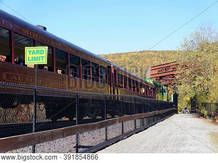 Jim Thorpe, Pennsylvania - October 17,2020 - The Reading & Northern Train Surrounded By The Fall Fol
