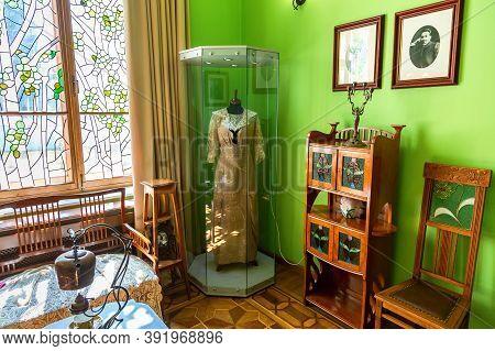 Samara, Russia - May 14, 2017: Interior Of One Of The Halls Of The Samara Museum Kurlina House