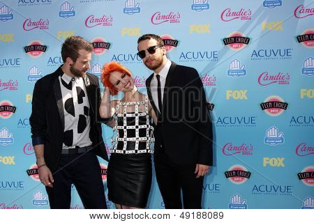 LOS ANGELES - AUG 11:  Jeremy Davis, Hayley Williams, Taylor York of Paramore at the 2013 Teen Choice Awards at the Gibson Ampitheater Universal on August 11, 2013 in Los Angeles, CA
