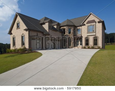 Model Home Luxury House With Driveway