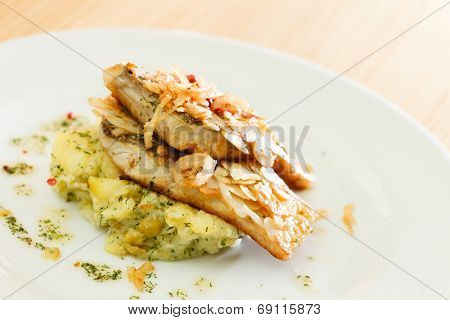 fish with potatoes