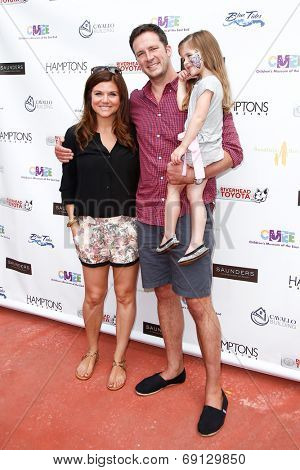 BRIDGEHAMPTON, NY-JUL 19: (L-R) Tiffani Thiessen, Brady Smith & Harper Smith attend the 6th Annual Family Fair at Children's Museum of the East End (CMEE) on July 19, 2014 in Bridgehampton, New York.