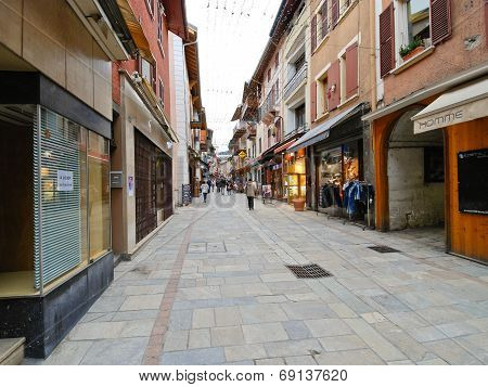 Shopping Street Of Bourg Saint Maurice Village