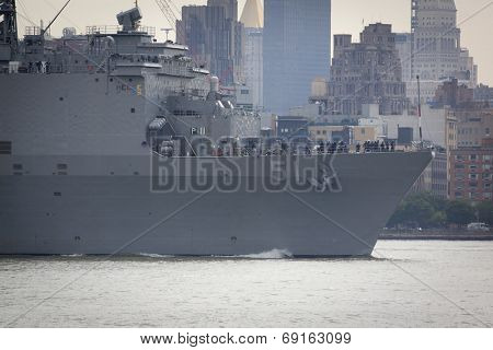 NEW YORK - MAY 27: The bow of the USS Oak Hill (LDS 051) on the Hudson River after departing Pier 92 at the end of Fleet Week NY on May 27, 2014.