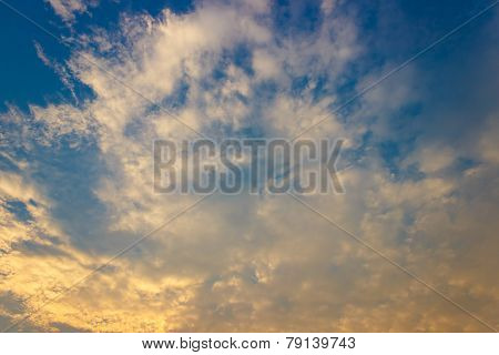 Beautiful Sky With White  Clound