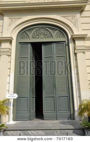 Green Vent Door Pattern Arch Classic