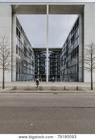 Paul Loebe Haus  Parliamentary Office Building In Berlin With Tourists