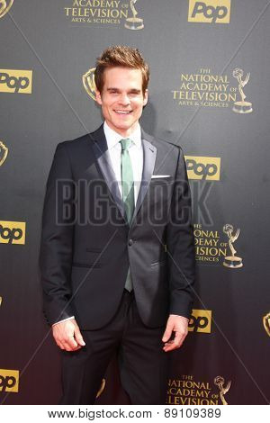 LOS ANGELES - APR 26:  Greg Rikaart at the 2015 Daytime Emmy Awards at the Warner Brothers Studio Lot on April 26, 2015 in Burbank, CA
