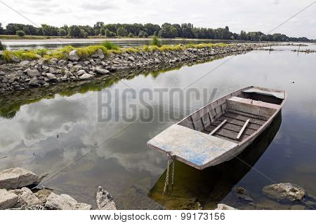Bouchemaine landscape, the tip area of the confluence of the Maine and Loire (France)