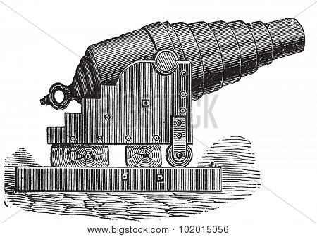 Armstrong cannon or Armstrong gun old engraving. Old engraved illustration of an Armstrong cannon.
