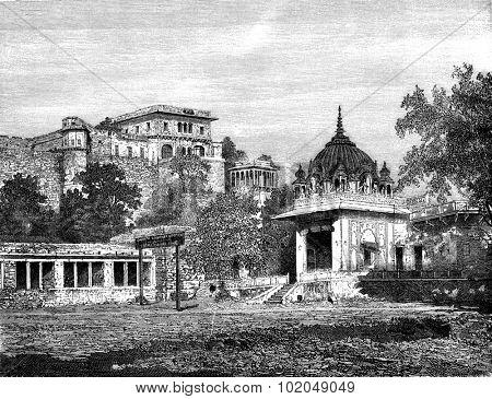 The suburb of Catti Ghati, vintage engraved illustration. Le Tour du Monde, Travel Journal, (1872).