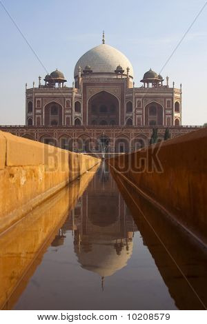 Humayan's tomb, India.