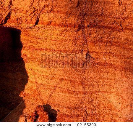 Sand pit cut