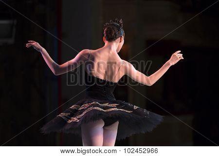 Prima ballerina dancing