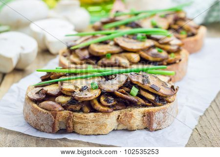 Balsamic Mushrooms And Green Onion Bruschetta