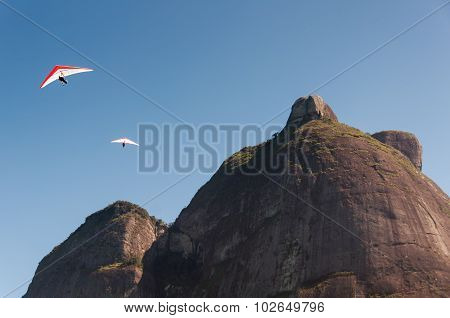 Hang Gliding from the Mountain