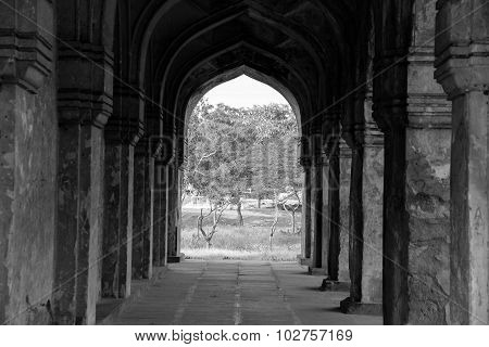 Qutub Shahi Tombs pillars