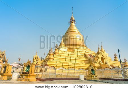 Sandamuni Pagoda - Mandalay Burma Myanmar