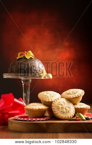 Mince pies and Christmas pudding
