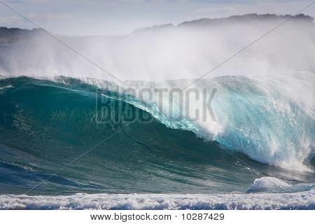 Clean breaking wave