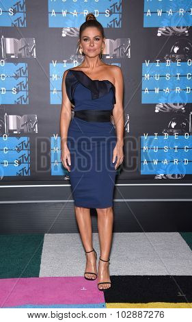 LOS ANGELES - AUG 30:  Maria Menounos 2015 MTV Video Music Awards - Arrivals  on August 30, 2015 in Hollywood, CA