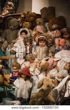 Private Old Dolls Collection