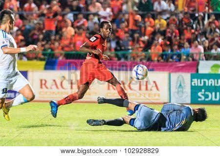 Sisaket Thailand-september 20: Adefolarin Durosinmi Of Sisaket Fc. (orange) Shooting Ball During Tha