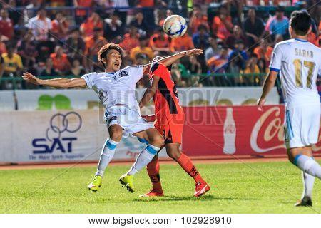 Sisaket Thailand-september 20: Lee Jun-ki Of Tot Sc (white) In Action During Thai Premier League Bet