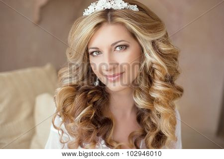 Healthy Hair. Wedding Makeup. Beautiful Smiling Girl Bride With Long Blonde Curly Hairstyle.  Bridal