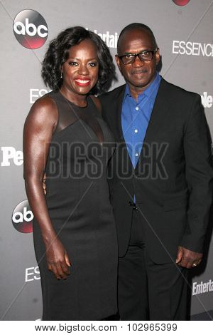 LOS ANGELES - SEP 26:  Viola Davis, Julius Tennon at the TGIT 2015 Premiere Event Red Carpet at the Gracias Madre on September 26, 2015 in Los Angeles, CA