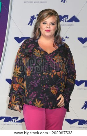 LOS ANGELES - AUG 27:  Catelynn Lowell at the MTV Video Music Awards 2017 at The Forum on August 27, 2017 in Inglewood, CA