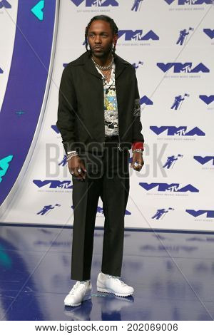 LOS ANGELES - AUG 27:  Kendrick Lamar at the MTV Video Music Awards 2017 at The Forum on August 27, 2017 in Inglewood, CA