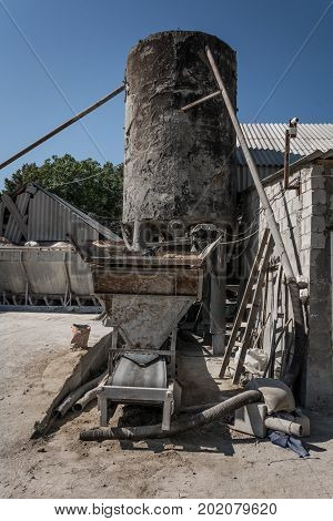Equipment For The Production Of Cement Blocks